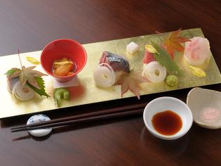 鳴門産の新鮮な魚介を使った『旬の刺身』
