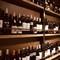 常時50種類以上の多彩なワインセラー
