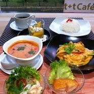 季節の前菜  トムヤムクンスープ メイン料理(要相談) ジャスミンライス デザート ドリンク