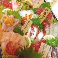 その日の市場仕入れの新鮮な旬魚! 大人気、数量限定の逸品です!
