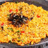 鉄板物の〆にご飯を炒めて食べると最高!!