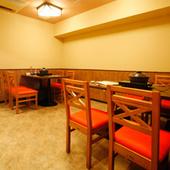 気軽に愉しめるカウンター席や、会食にお勧めのお席までご用意