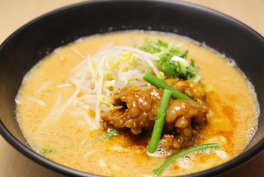 チャーシュー麺煮玉子付き