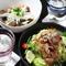 カリカリポテトのシーザーサラダ 週替わりの煮込み(和牛等々)