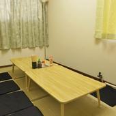 まわりを気にせず楽しめるお座敷個室もございます。