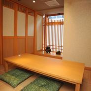 テーブル席から個室まで落ち着ける空間をご提供しております。