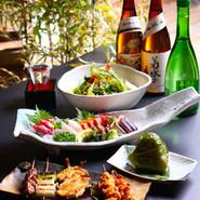 """レトロで懐かしい""""昭和""""の時代にタイムスリップしませんか? 厳選された旬な素材に拘っています。お肉・魚介・野菜等豊富な料理とお酒でお楽しみください。"""