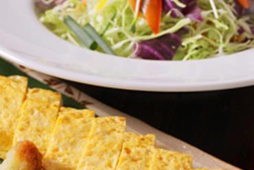 『出し巻玉子』や『サラダ』など、手軽で美味しい一品
