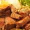 【おかだ精肉店】ならではの上質な肉料理を驚愕のコスパで!