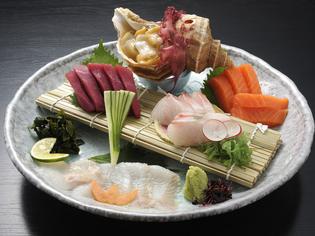 メニューの七割は魚料理。素材にもこだわっています。