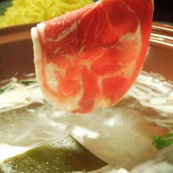 【食べ放題のみ】ラム肉&三元豚 クーポンで3900円⇒3300円
