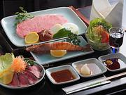 お肉はお好みでサーロイン・フィレから選べるます。ペガサスの魅力を堪能できるシンプルコースです。