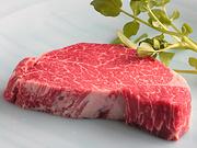 やはり40年以上の営業している中で人気なのはフィレ肉! 上品な味わいを溶岩焼でお召し上がり下さい。