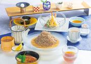 紅葉鯛や秋鯖、秋刀魚など秋に美味しい十数種類の魚介を厳選。セットで味わう風味豊かな鮨丼ぶり。
