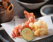 魚介の王様 名古屋では当店だけのオリジナル天麩羅 頭の部位はうしお汁でお楽しみ下さい