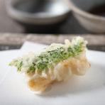 紀州南高梅の程よい酸味とシソの香りが口に広がります