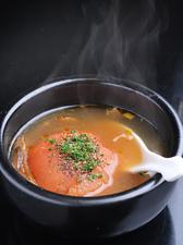 和風出汁とトマトの甘みが美味しい「トマトおでん」