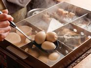 おでん盛合せ(雑炊も旨い、卵と小ネギの協力でーあっさりとしながらもこくのある上品な味になりました)