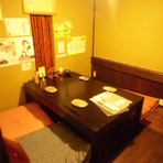 小中個室があります。 堀ごたつ席、テーブル席も人数によっては貸切り可能ですので、詳しくは店員までお問い合わせください。TEL0749-27-4484
