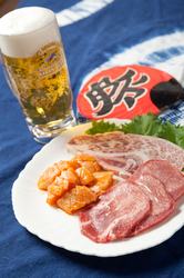 バイキング60種類+特撰骨付カルビ・上タン・上ハラミ食べ放題 ドリンクバー付)