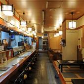 和風の佇まいが落ち着く、新鮮な魚介類とお酒を楽しめる店内!