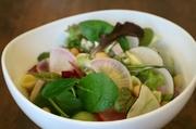 旬な野菜を使った、日替わりサラダです。