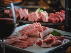 黒毛和牛赤身ステーキもついた特別コース!  ※飲み放題付き6000円(税抜)