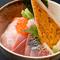 本日の贅沢海鮮丼 2000円
