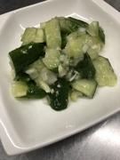 茄子とひき肉のあんをかけたご飯を、土鍋でアツアツにしました。おこげの香ばしさがたまらない一品!