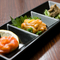 『珍味三種盛り』は、イカの塩辛など、その日の仕入れで提供
