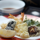 春夏秋冬、季節ごとの旬の食材にこだわり構成された天婦羅
