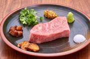 一口食べたら、他の豚との違いを感じて頂けます! 沖縄に来たら、是非味わって頂きたい味の一つです!