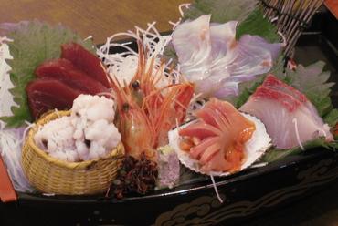 鮮魚のおまかせ盛り合せ(中)