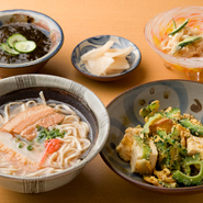 那覇で開店以来35年、皆様に愛されてきた『うりずん』の沖縄料理と泡盛をそのまま持ってきました。渋谷で是非本場の味をご堪能あれ。