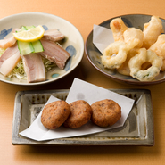 ドゥル天(田芋のコロッケ)スーチキ(塩漬け豚肉)