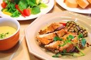 若鶏の香草焼きオーブン仕上げと旬野菜グリルのランチセット