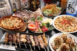 充実の御宴会メニューは看板メニューの創作料理もしっかり入って大満足。もちろん飲み放題も。