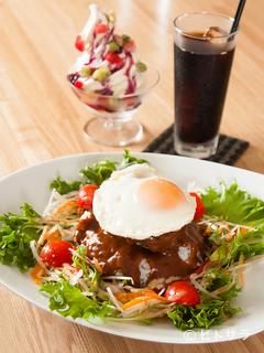 Cafe&Bar HACHIの料理・店内の画像1