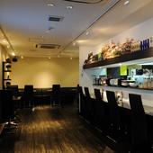 スタイリッシュな空間で本格中華とお酒を心ゆくまで楽しめます!