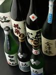 数ある福島、そして東北の名酒から料理に合うものが並ぶ