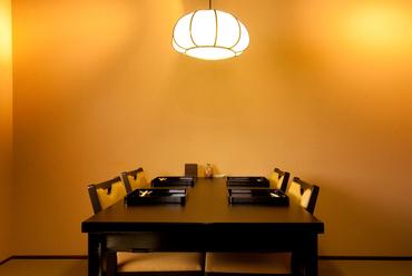テーブル個室と和室個室があります
