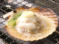 魚介類五種類 海鮮炉端焼き (コースメニューの一品)