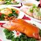 豪華な中華料理を仕上げる繊細なシェフの技