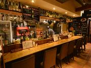 ナポリピッツァとスペアリブ ワイン食堂 ガブガブ