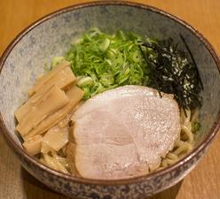 秘伝のタレと極太麺の『自慢の和風まぜそば』