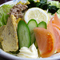 サラダや野菜のメニューも豊富です