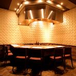 A5等級神戸牛に彩るのは野菜ソムリエ厳選の旬野菜を用いたコース料理をご用意。貸切は最大30名様までOK!オシャレな店内の【彩ダイニング】でワンランク上の時間をお過ごし下さい。