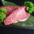 希少価値の高い神戸牛のフィレ肉。その中から厳選したA5等級のフィレ肉だけをお出しいたします。 ※ご来店当日の仕入れ状況によってはご予約でもお出しできない場合がございます