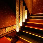 階段から、日本情緒あふれる雰囲気がお出迎え