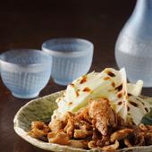 カリカリの『かわ』の焼き物は、薫り高い胡椒と少し辛めのタレで